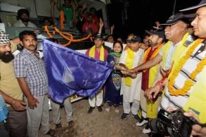 Devotees begin Amarnath pilgrimage
